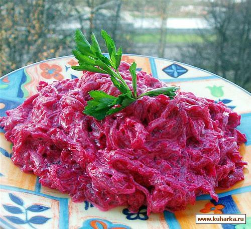 Рецепт Свекольный салат с чесноком