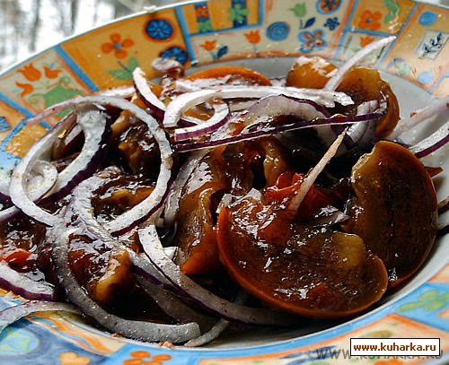 Рецепт Салат из хурмы и лука