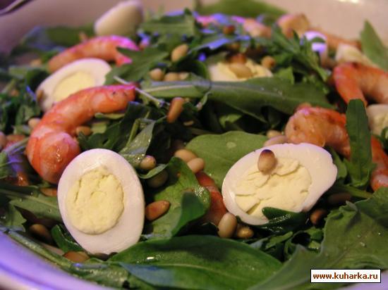 Рецепт Салат с креветками, руколой и перепелиными яйцами