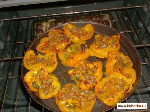 Рецепт Болгарский перец запечённый с овощами и сыром
