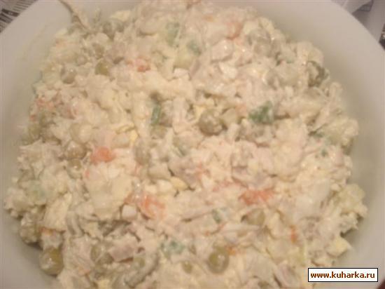 Рецепт Оливье с языком, крабовым мясом и перепелиными яйцами