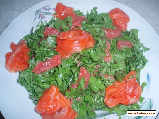 Рецепт Салат с рукколой и красной рыбой