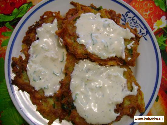 Рецепт Драники (картофельные оладьи) с чесночным соусом