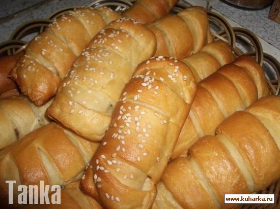 Рецепт Кифле с сыром и брусничным джемом