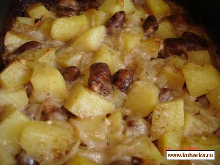 Рецепт Картошечка, запеченная с куриными сердечками, под кефирно-майонезным соусом