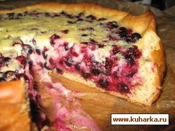 Пирог из дрожжевого теста с смородиной рецепт