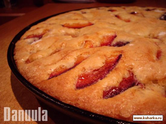 Рецепт Легкий пирог со сливой (или черной смородиной, или абрикосами)