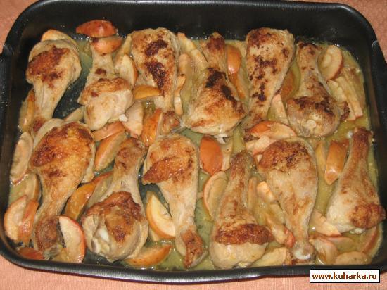 Рецепт Курица, запеченная с яблоками и сыром