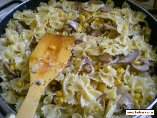 Рецепт Макароны с грибным соусом.