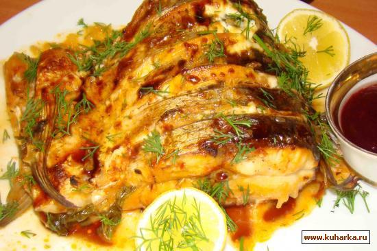 Рецепт Рыба, запеченая под апельсиново-медовым соусом
