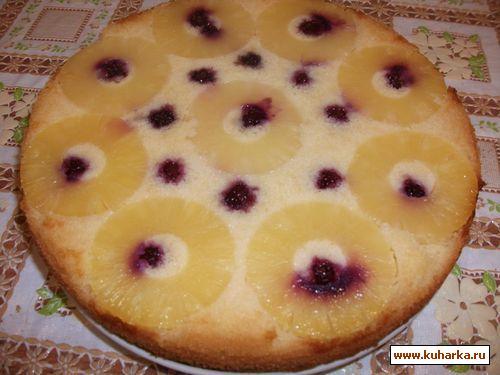 Рецепт Пирог-перевертыш с ананасами и ежевикой