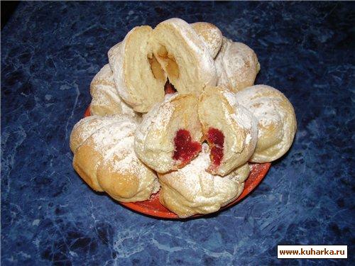 Рецепт Рогалики с яблоками и вишней.