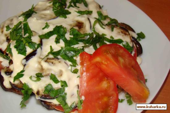 Рецепт Баклажаны с помидорами под чесночным майонезом