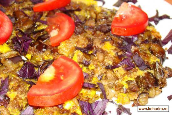 Рецепт Баклажаны жареные с мясным фаршем в яичнице