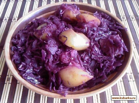 Рецепт Краснокачанная капуста, тушеная со свеклой и яблоком