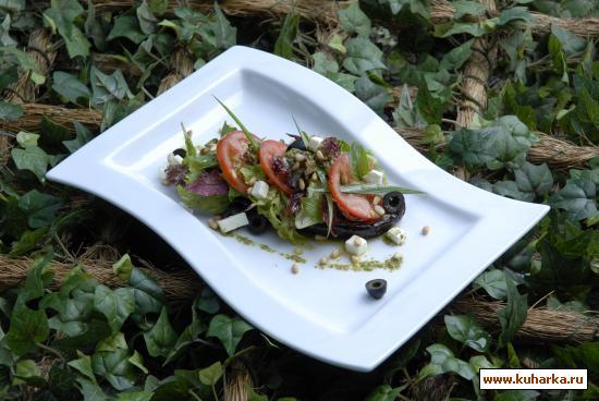 Рецепт Салат с жареными баклажанами и курицей