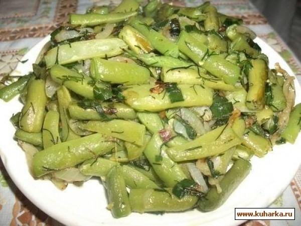 Фасоль с жареным луком и орехами – кулинарный рецепт