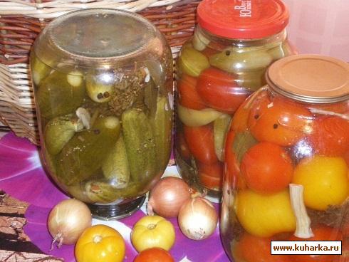 Рецепт Быстрое консервирование помидор и огурцов.
