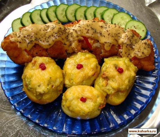 Рецепт Куриный рулет с сырно-чесночной начинкой и картофель по Йоркширски
