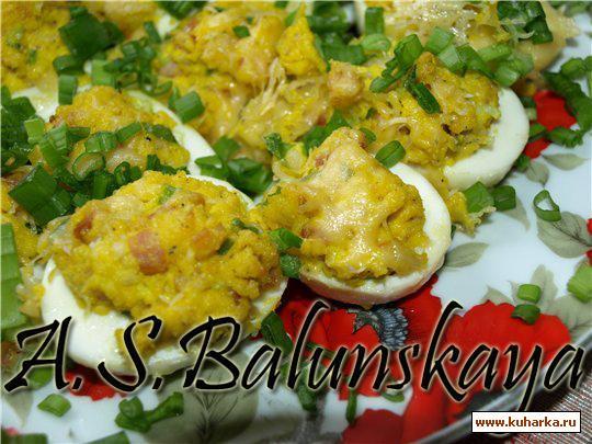 Рецепт Фаршированые яйца, запеченные под сыром