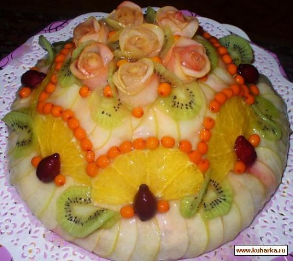 Украшения торта фруктами 28