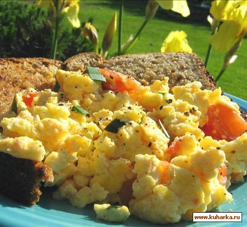 Рецепт Яичница с помидорами и травами