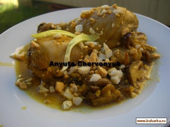 Рецепт Курица в пепитории с грибами (Pollo en pepitoria con setas)