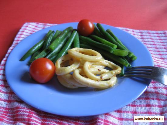Рецепт Маринованные кальмары с зелёной фасолью.