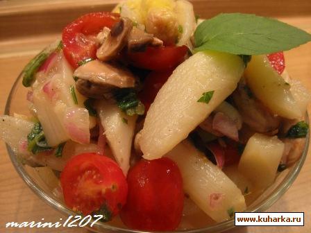 Рецепт Салат из спаржи с свежими шампиньонами и помидорами