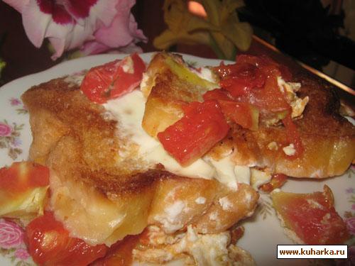 Рецепт Яичница с гренками и помидорами