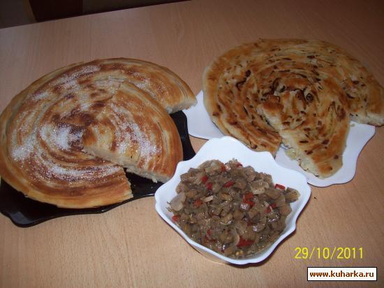 Рецепт Каламаи пиёзин (луковые лепешки)