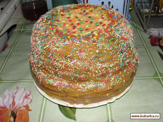 Рецепт Бисквитный торт с начинкой из зефира