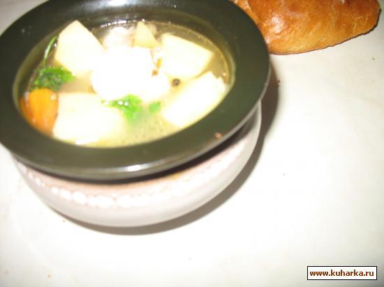 Рецепт Уха из скумбрии (лосося) под крышкой из теста