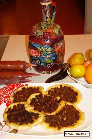 Рецепт Ламачо по -грузински (лепешки с мясным фаршем)
