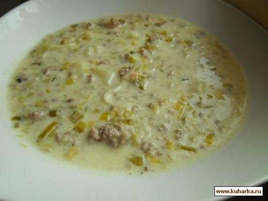 Рецепт Сырный суп с луком пореем и фаршем.