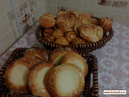 Рецепт Универсальное дрожжевое тесто (для ватрушек, пирожков, булочек, плюшек).