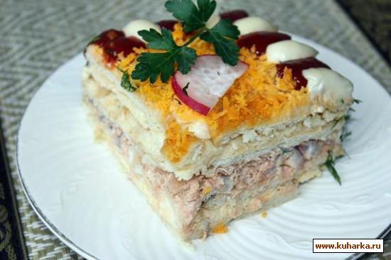 Рецепт Рыбный салат-торт с крекерами