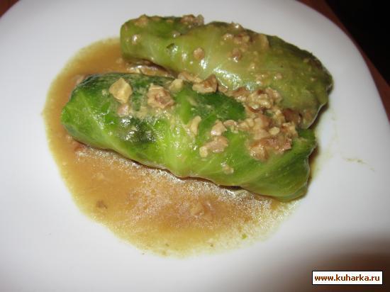 Рецепт Капустные трубочки с грибами под ореховым соусом