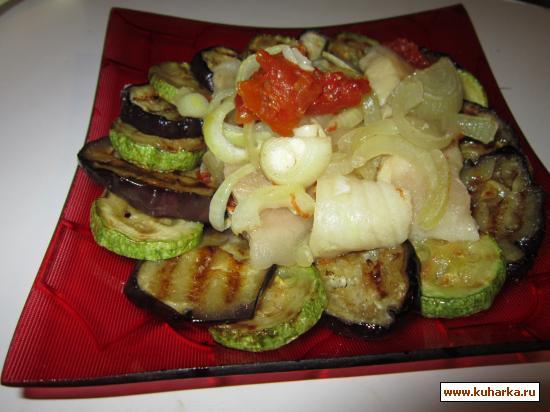 """Рецепт Запеченная рыба на """"подушке"""" из овощей."""