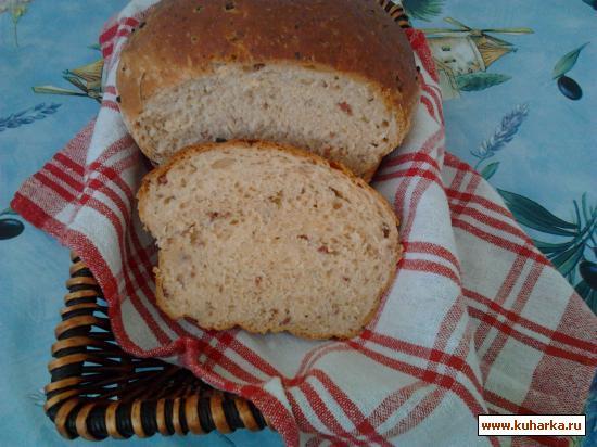 Рецепт Хлеб с колбасой, чесноком, паприкой и зеленью.