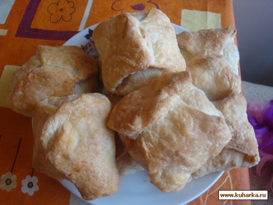 Рецепт Слойки с яблоками, абрикосовым вареньем и вареной сгущенкой