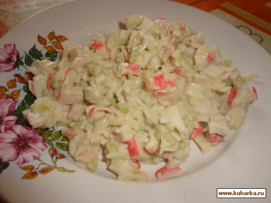 Рецепт Салат из зеленой редьки и крабовых палочек
