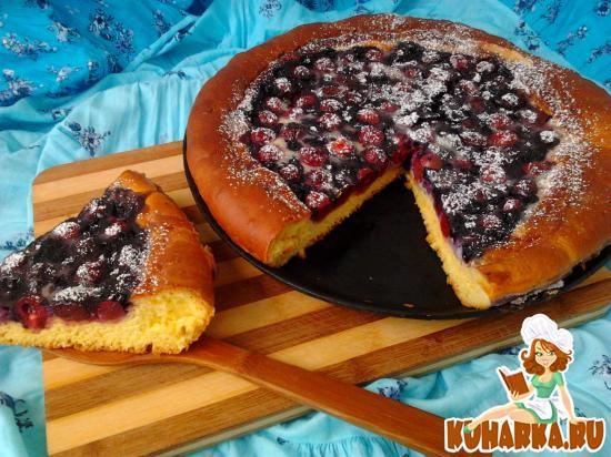 Рецепт Вишневый пирог со сметанной заливкой.