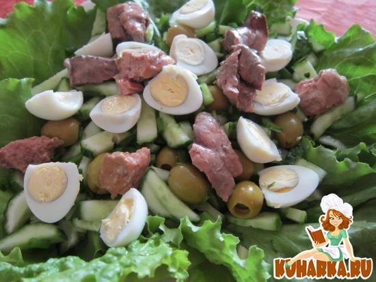 """Рецепт Салат из печени трески с оливками и свежим огурцом """" Италика"""""""