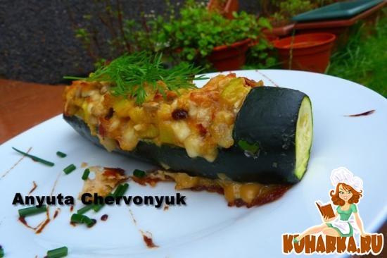 Рецепт Кабачки начинённые сыром и орехами.