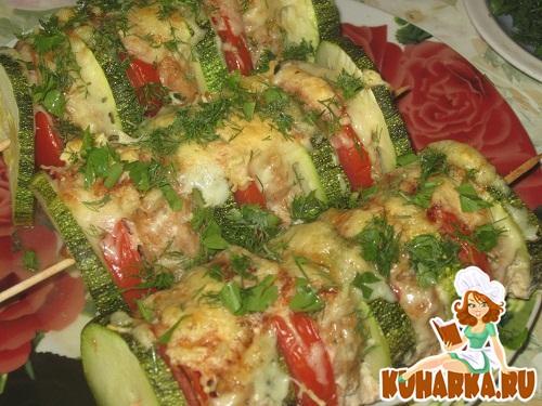 Рецепт Шашлыки из кабачков с мясным фаршем и помидорами