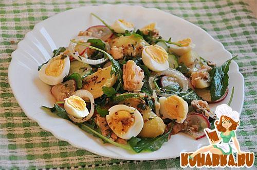 Рецепт Картофельный салат с горбушей, овощами и рукколой