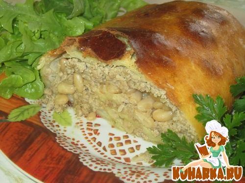 Рецепт Мясной рулет с фасолью и капустой в тесте