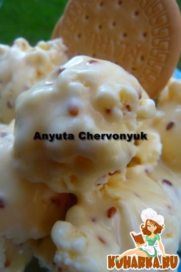 Рецепт Кунжутное мороженое с соусом.