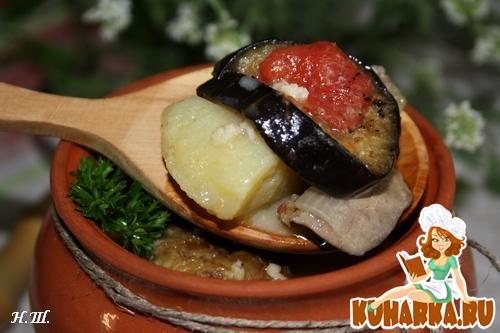 Рецепт Печень с баклажанами в горшочке.